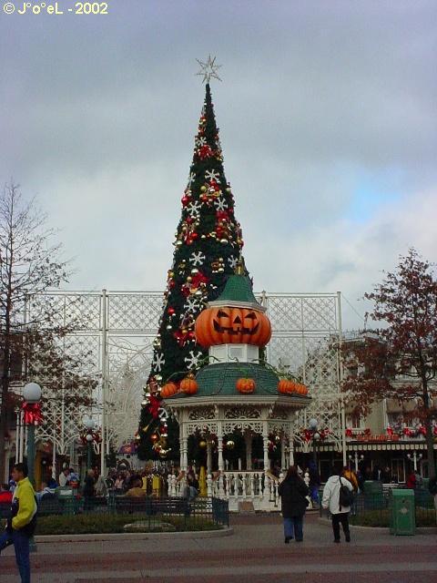 Noêl Disneyland 2005... DSC03550